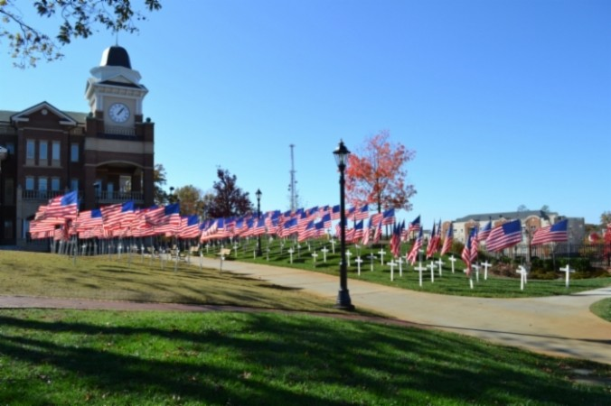 memorial day flags and crosses duluth