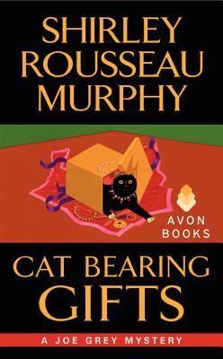 Review: Cat Bearing Gifts by Shirley Rousseau Murphy